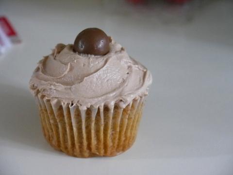 Malteser's Cupcake