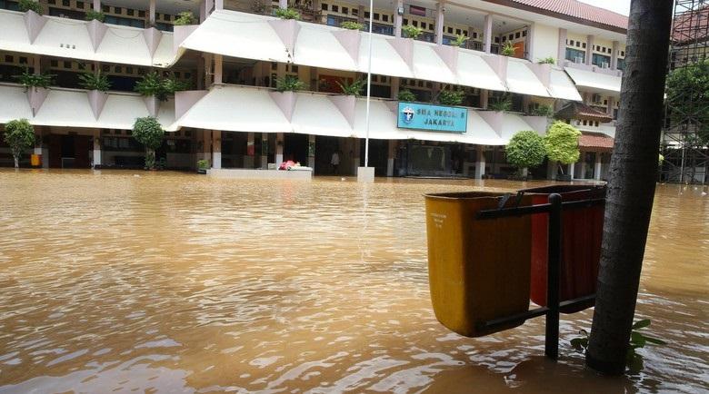 SMAN 8 Jakarta terkena banjir, 16 Feb 2017
