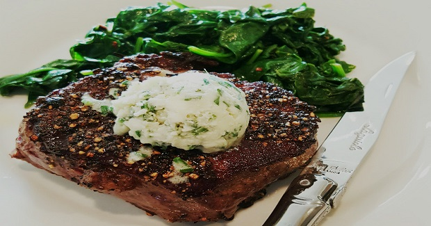 Pepper Crusted Filet Mignon With Blue Cheese Chive Butter Recipe