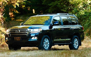 2017 Toyota Land Cruiser Price