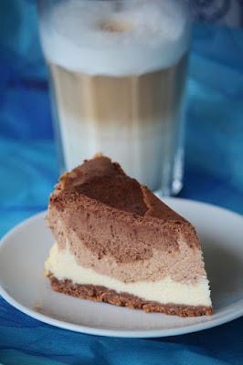 Sernik czekoladowy z trzema czekoladami