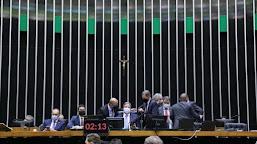 Câmara aprova texto-base da reforma do Imposto de Renda
