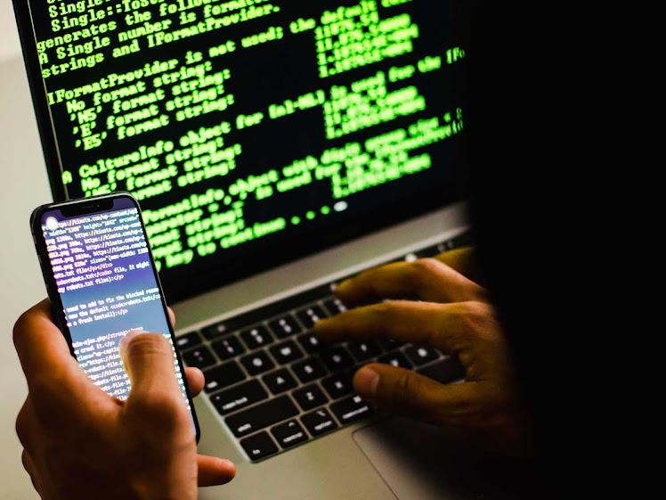 Brasileiro teme fraudes e está mais atento à violação de dados pessoais