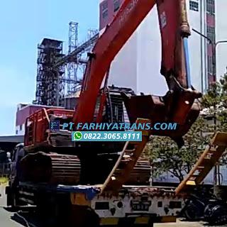 Pengiriman excavator tujuan ke Balikpapan dengan self loader dan kapal roro, estimasi perjalanan 2-hari.  Ekspedisi Pengiriman Mobil FARHIYAtrans. Kirim mobil, truk, sepeda motor, alat berat dan segala jenis kendaraan ke seluruh Indonesia via darat dan laut. Kapal Roro - Cargo - Pelni - Container - Car Carrier - Towing  📌 Our Contacts WhatsApp wa.me/6282230658111 Website farhiyatrans.com IG bit.ly/instagramfarhiyatrans YouTube bit.ly/youtubefarhiyatrans Maps bit.ly/lokasifarhiyatrans Twitter bit.ly/twitterfarhiyatrans Booking Now ⬇️ bit.ly/formbookingfarhiyatrans  #kirimmobil #kirimalatberat #kirimexcavator #alatberat #excavator #rentalalatberat #rentalexcavator #rentalalatproyek #rentalalatproject #sewaalatberat #sewaexcavator #sewaalatberat #sewaalatproyek #sewaalatproject #hitachi #hitachitools #hitachiindonesia #hitachiexcavator #hitachiconstruction #hitachipowertools #hitachiasia #surabaya #balikpapan #tanjungperak #kapalroro #kapallaut #selfloader #towing #towingtruck #towingtrucks #towingsurabaya