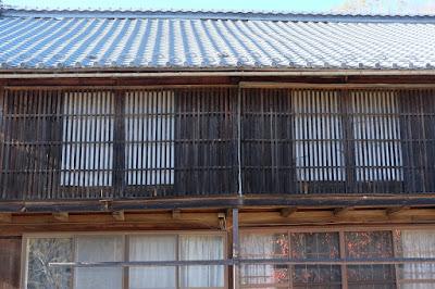 古民家カフェ ひとつ石 母屋の格子窓