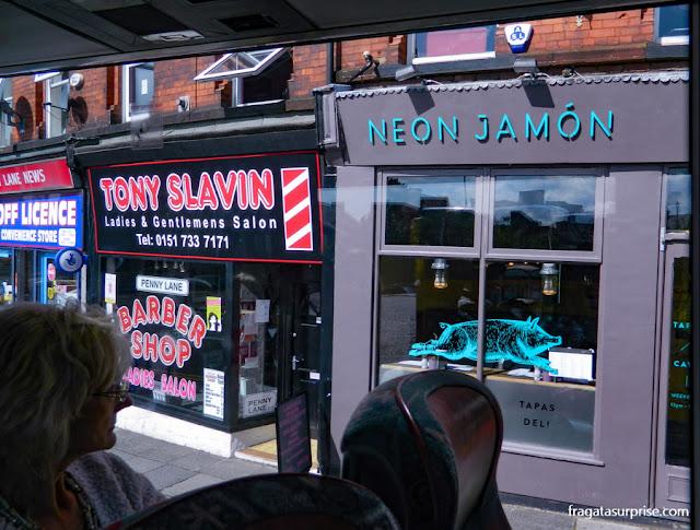 Liverpool: barbearia citada na letra de Penny Lane, dos Beatles