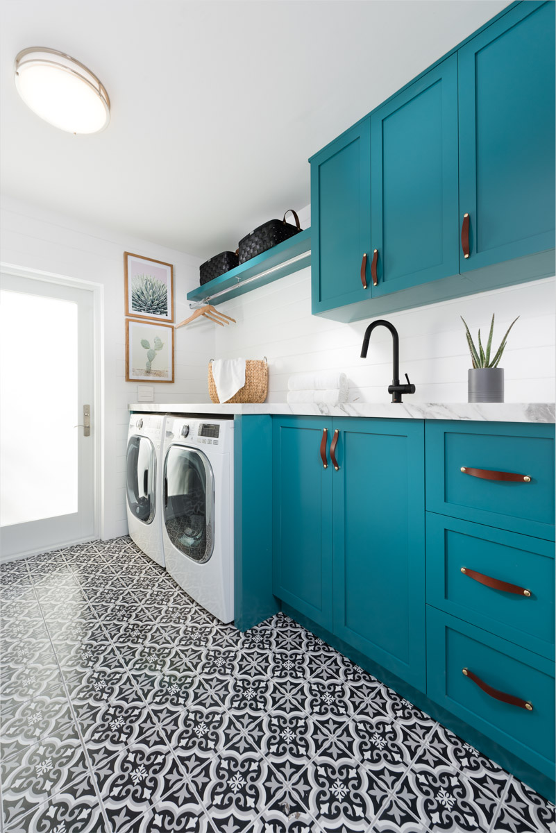 Live Laugh Decorate A Laundry Room That Ll Make You Teal With Envy