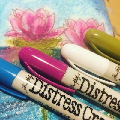 making_art_with_distress_crayons
