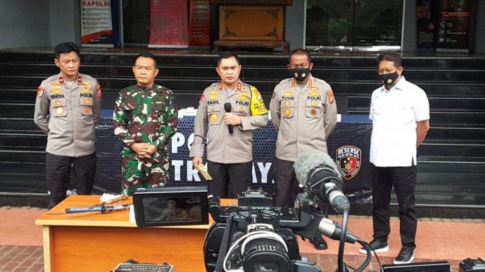 Bentrok dengan Polisi, 6 Anggota FPI Ditembak Mati