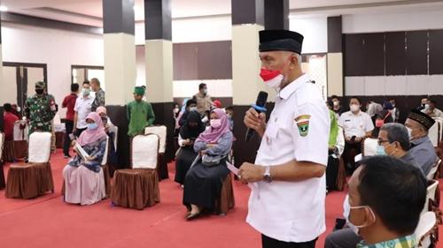 Gubernur: Vaksinasi di Kampus Percepat Kekebalan Komunal