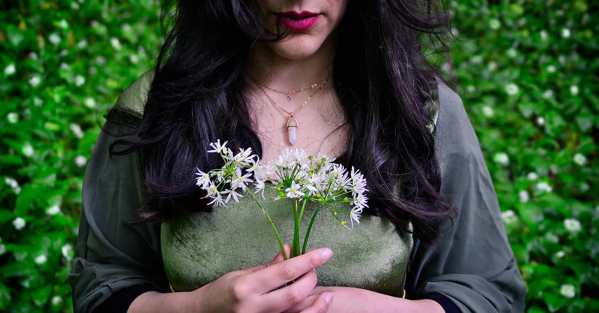 Fiabe #07 || La regina degli Elfi nella fioritura di aglio orsino in Basilicata