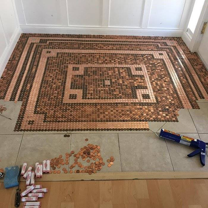 Kelly Graham decorated her floor with 7,500 pennies