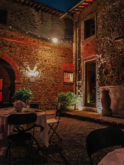 Villa Barberino Hotel Courtyard at Night
