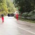 Put Olovo - Kladanj bio zatvoren zbog prevrtanja automobila