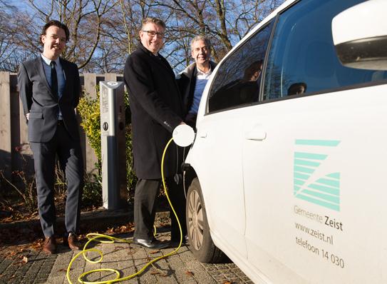 Mra Elektrisch Eerste Laadpaal Nieuwe Aanbesteding Mra E Feestelijk
