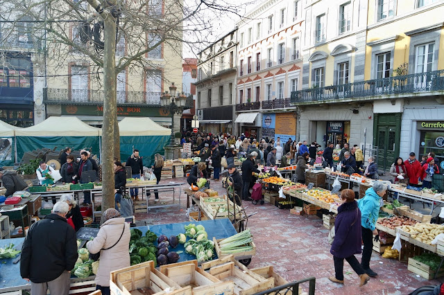 Carcassonne Saturday food market