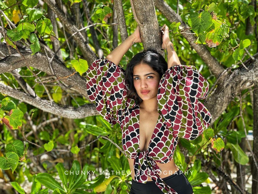 South Indian Actress Saniya Iyappan