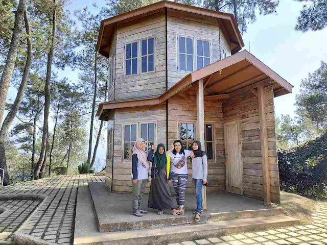 Harga Tiket Masuk & Lokasi Taman Langit Gunung Banyak Malang, Wisata Ala Negeri Dongeng