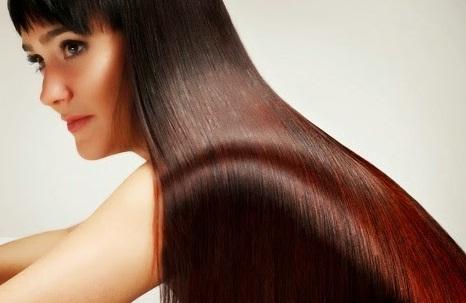 5 Cara Alami Meluruskan Rambut Keriting Dengan Cepat