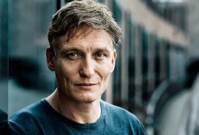 Oliver Massucci as Ulrich Neilsen