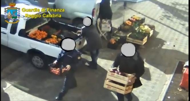9 agenti della Polizia Locale indagati per merce sottratta ad ambulanti e auto cannibalizzate