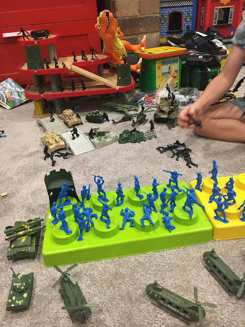 Army Battles with Toy Army Men