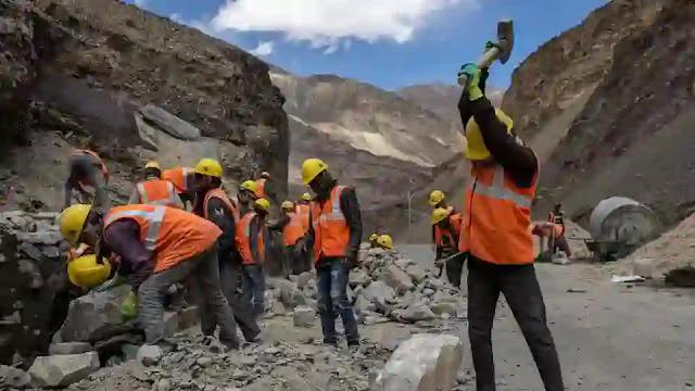 BRO Workers In ladakh