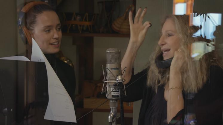 """A faixa faz parte de """"Encore: Movie Partners Sing Broadway"""", que deve chegar às lojas dia 26 de agosto."""