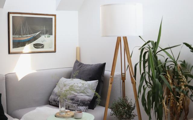 DIY lampa ze starého stativu a stínidla z IKEA