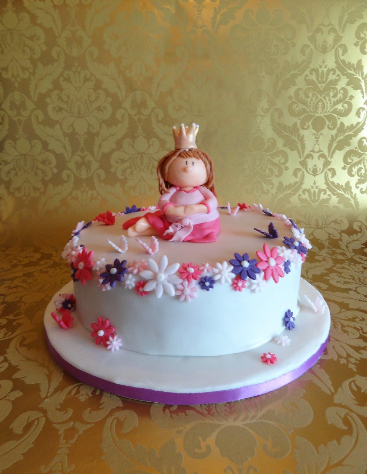 Torten Cupcakes By Sibl Eine Prinzessin Zum Geburtstag