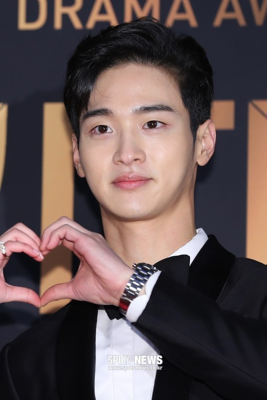 Actor Jang Dongyoon looking so perfect with his new hairstyle at 2019 KBS Drama Awards