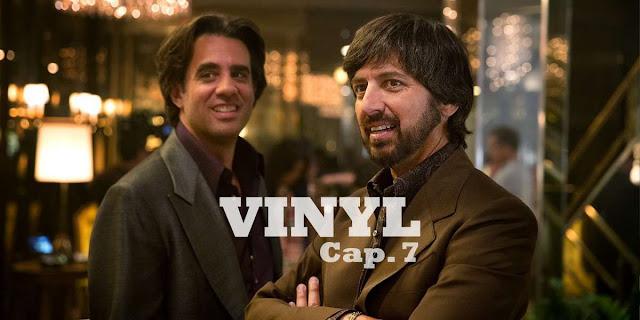 CAP 7 - Por un presentimiento, Richie y Zak viajan a Las Vegas con la esperanza de convencer a Elvis Presley para que cambie de sello.