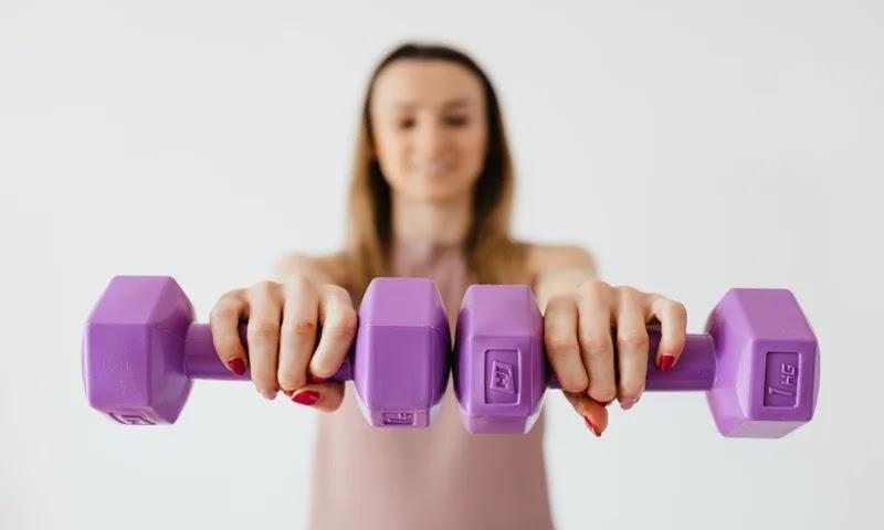Ideal body weight formula كيفية حساب Ideal Body Weight Ideal body weight definition BMI calculator Normal weight calculator Ideal body weight equation in kg and cm معادلة Ideal Body weight The perfect weight for my height in kg How do you figure out your ideal body weight?