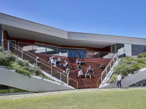 Complexe sportif avec salle de réunion Pridham Hall