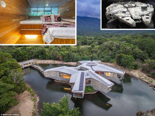 00-Charles-Wright-Architecture-with-Star-Wars-Millennium-Falcon-Inspired-House-www-designstack-co