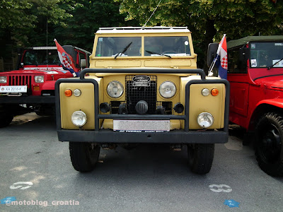 susret starodobnih vojnih vozila