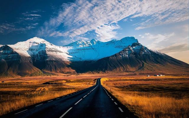 """Đảo quốc Iceland được mệnh danh là thiên đường dành cho những người mê du lịch khám phá và nhiếp ảnh gia chụp ngoại cảnh. Đất nước nằm giáp vòng cực Bắc này sở hữu điều kiện tự nhiên đa dạng núi lửa, suối nước nóng, mạch nước phun, hồ, sông băng… và đặc biệt là """"đế chế"""" của những thác nước hùng vĩ."""