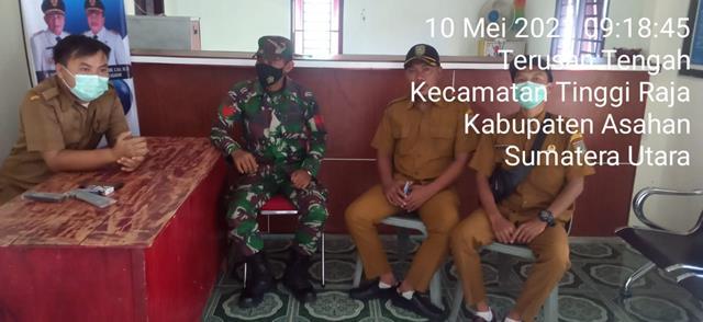 Ditengah Ramadhan, Personil Jajaran Kodim 0208/Asahan Laksanakan Anjangsana Ke Kantor Desa