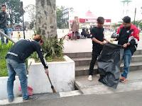 Yuk Jaga Kebersihan Tempat Wisata dengan Memakai Kantong Sampah