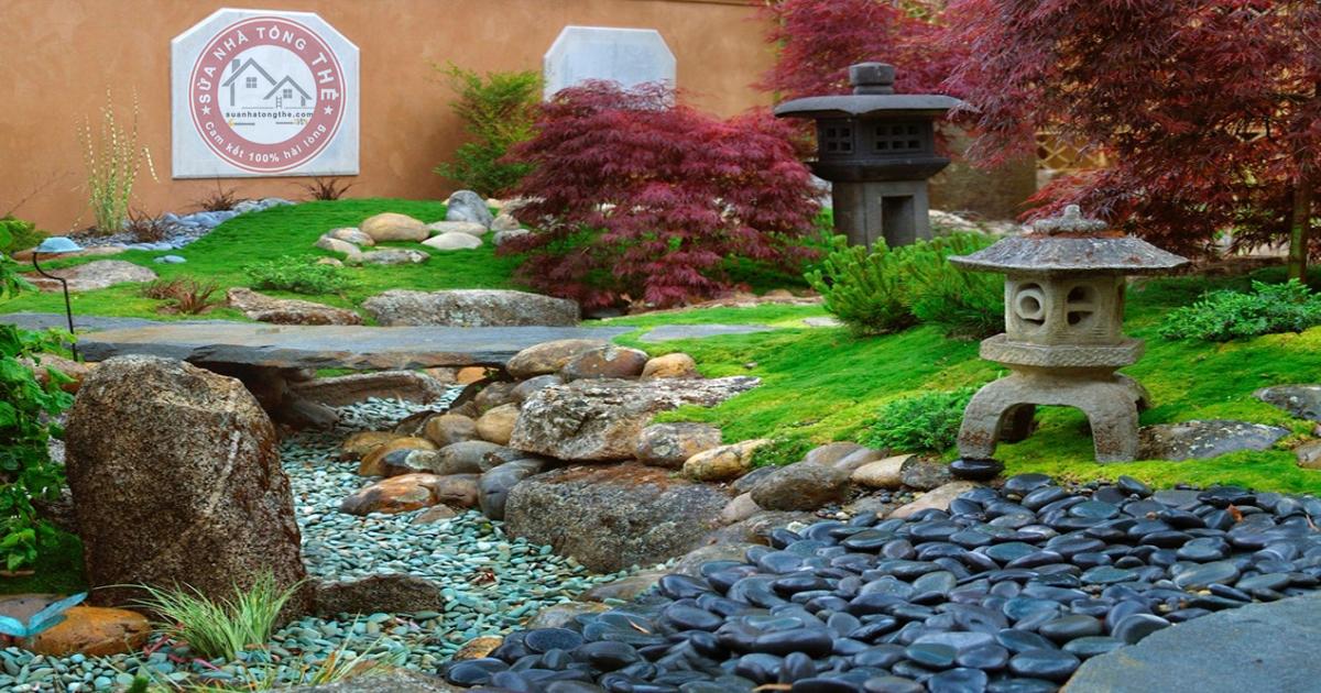 Cách trang trí sân vườn nhỏ với chất liệu đá