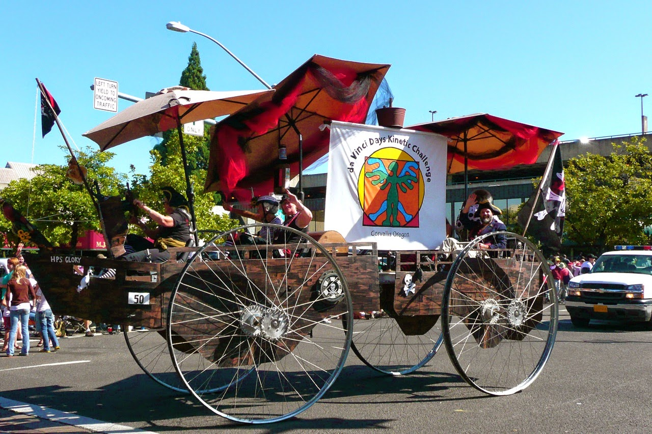 Eugene Celebration parade float, Corvallis Da Vinci Days Kinetic Challenge, downtown traffic