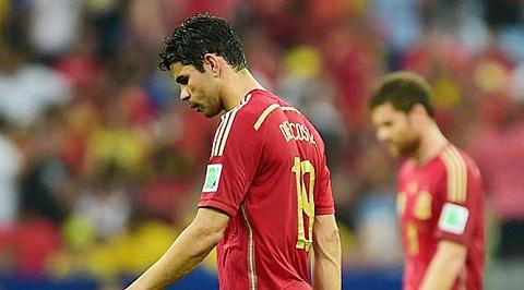 CĐV cho rằng thảm bại của ĐTQG là do Costa