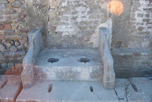 Banheiro romano