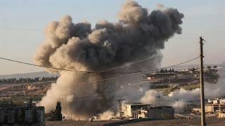 بعد قصف جوي مكثف.. قوات نظام الأسد والميليشيات الإيرانية تحاصر مركز معرة النعمان في إدلب