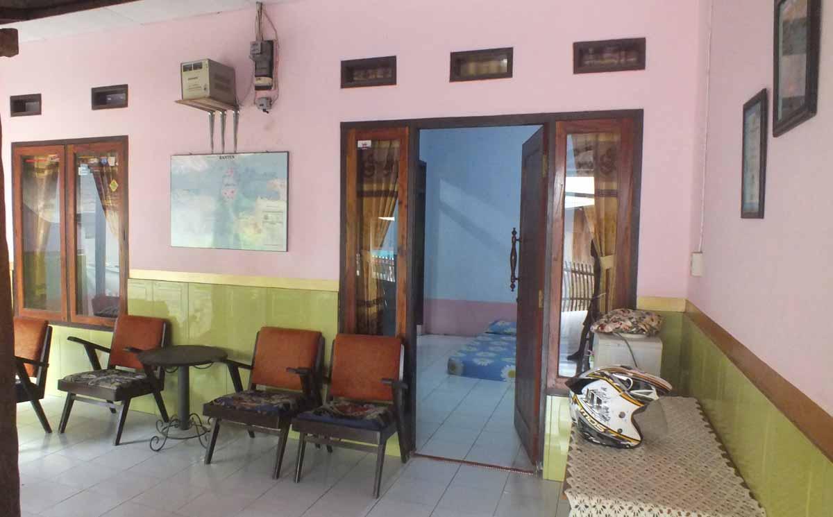 penginapan villa  dan Hotel Homestay Kang Hendy sawarna