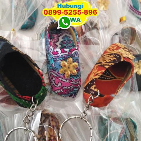 distributor gantungan kunci sepatu murah eceran 50438