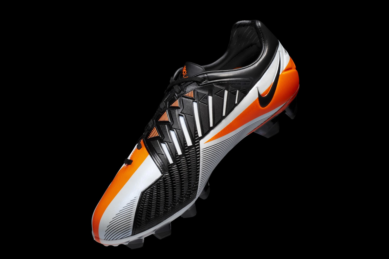 60ad9caf0b41 The Nike Total 90 Laser IV football boot was released in September 2011.  Made for ultimate power and shooting accuracy and headlined by Wayne  Rooney