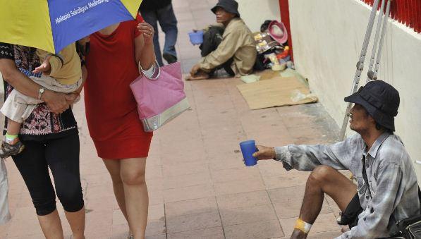 Pemkot Bandung Berlakukan Denda 500 Ribu bagi Pemberi Uang kepada Gelandangan dan Pengemis