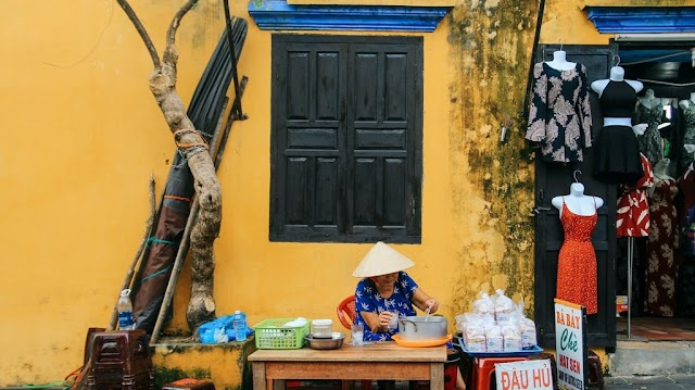 Answer to the walls bringing the color of time in Hoi An