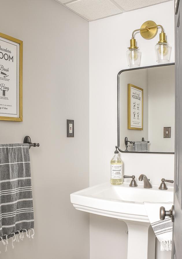 Vintage modern bathroom
